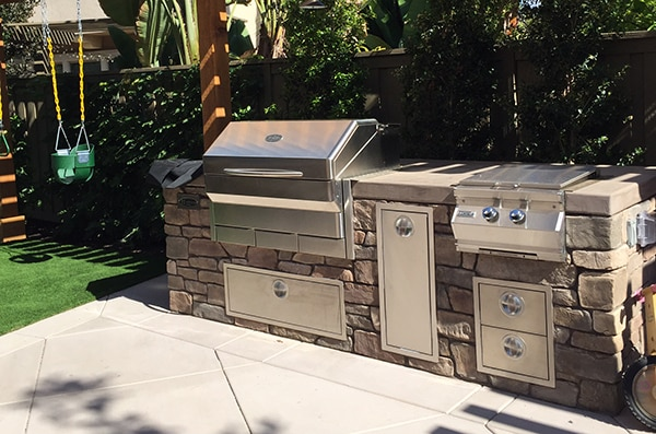 Built In Grill And Kitchen